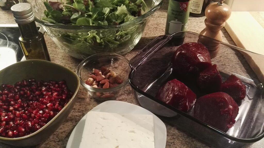 Zutaten, salat, rote beete, käse,