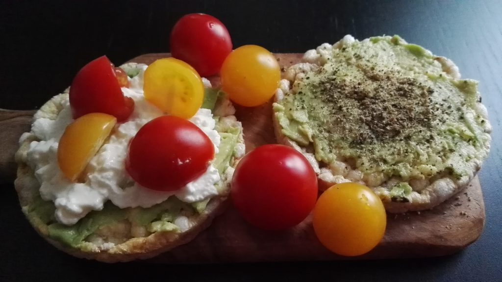 healthy snack, rice cake, avocado