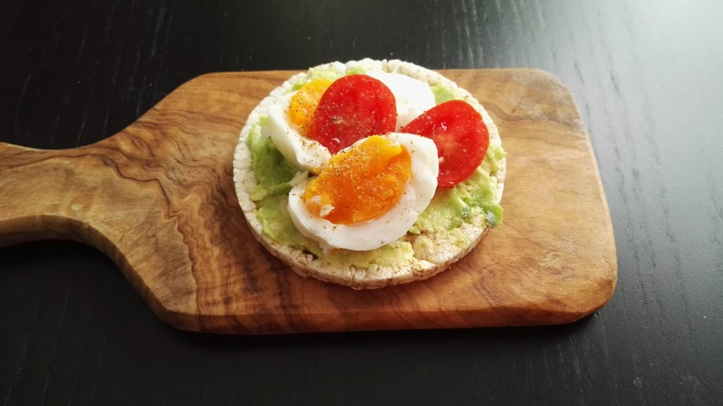 rice cakes, eggs, healthy snack