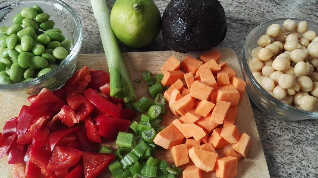 Süßkartoffel und Kichererbsen Salat Zutaten